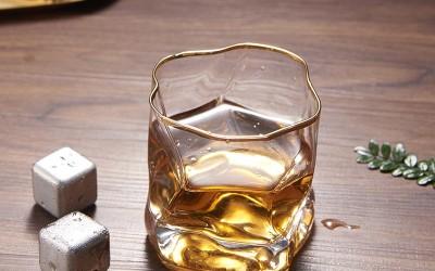 装糖果的玻璃杯